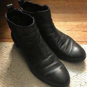 Black leather Cole Haan boots - women's size 8